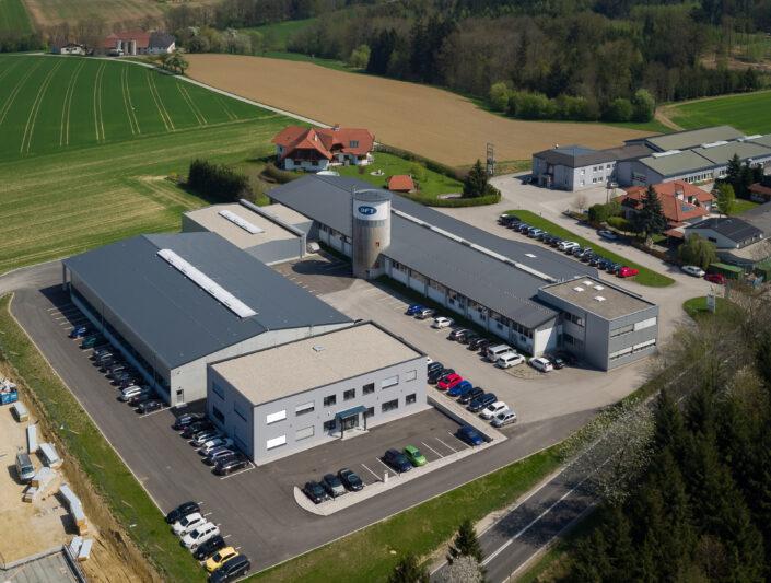 Luftbild des DFT Standorts in Kremsmünster, AT | Aereal view of the DFT location in Kremsmuenster, AT